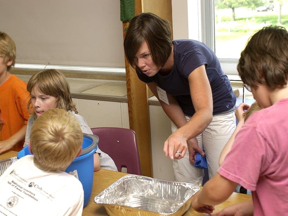 Angela Sigmund teaches at Camp Invention