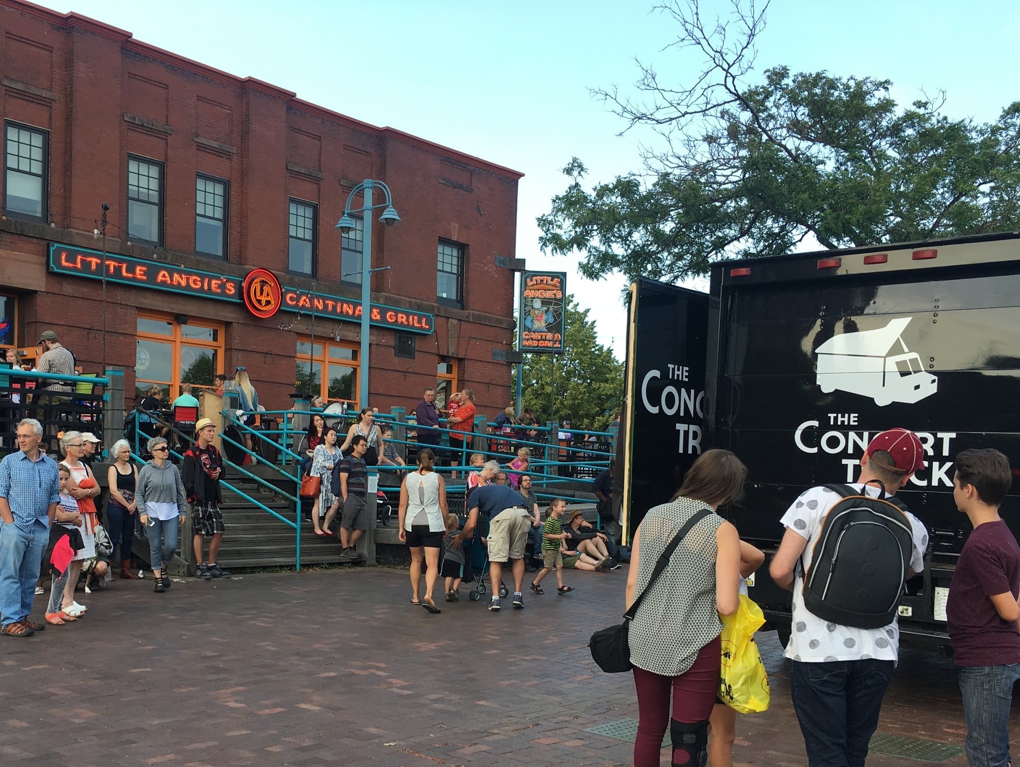 Pop Up Classical: The Concert Truck 2017 - Duluth