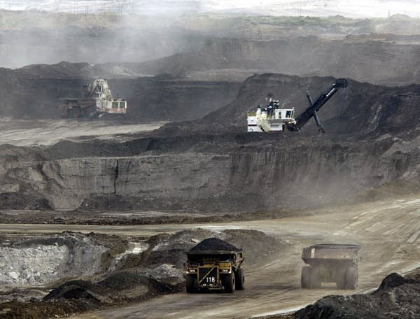Lawsuit: US allowing more tar sands oil through Minn  without review