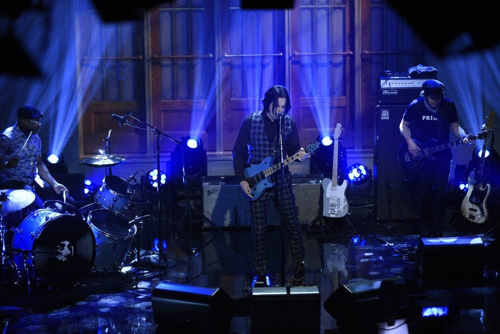 Jack White performs on 'SNL' on Oct. 10, 2020