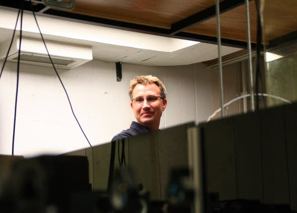 U of M chemistry professor David Blank