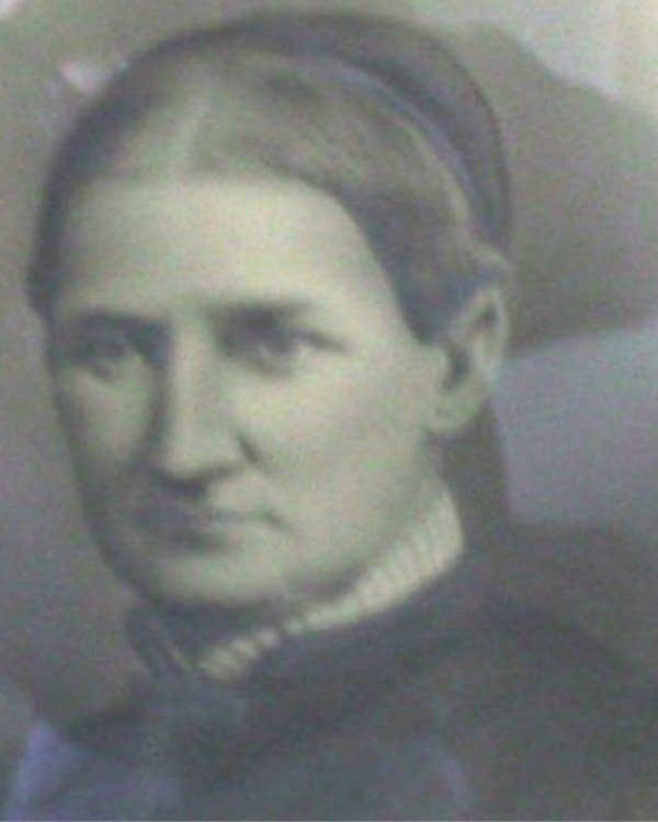 Sarah J. Smith