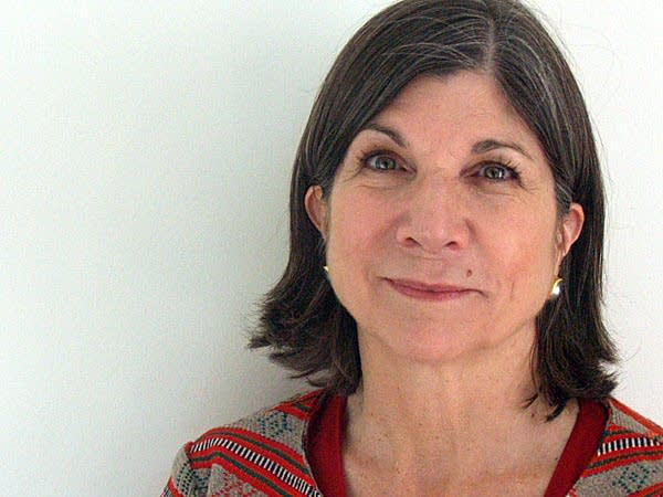 anna quindlen killing the consumer Anna quindlen, minus 50 iq pointsthat was the verdict of the editors of baltimore's city paper not long after i started writing an opinion column for this newspaper.