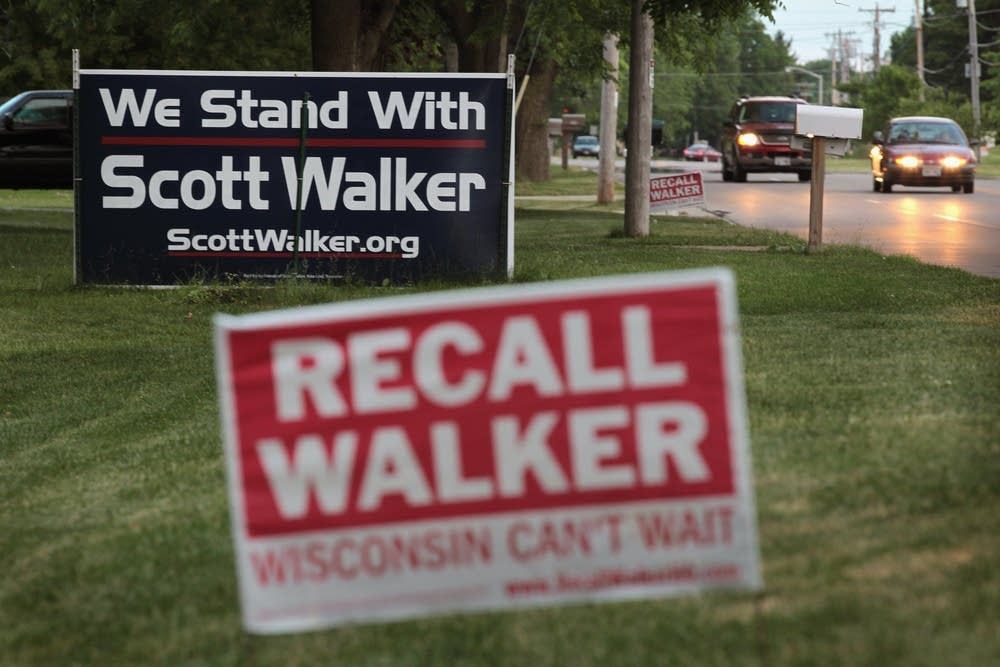 Signs for Wisconsin recall election