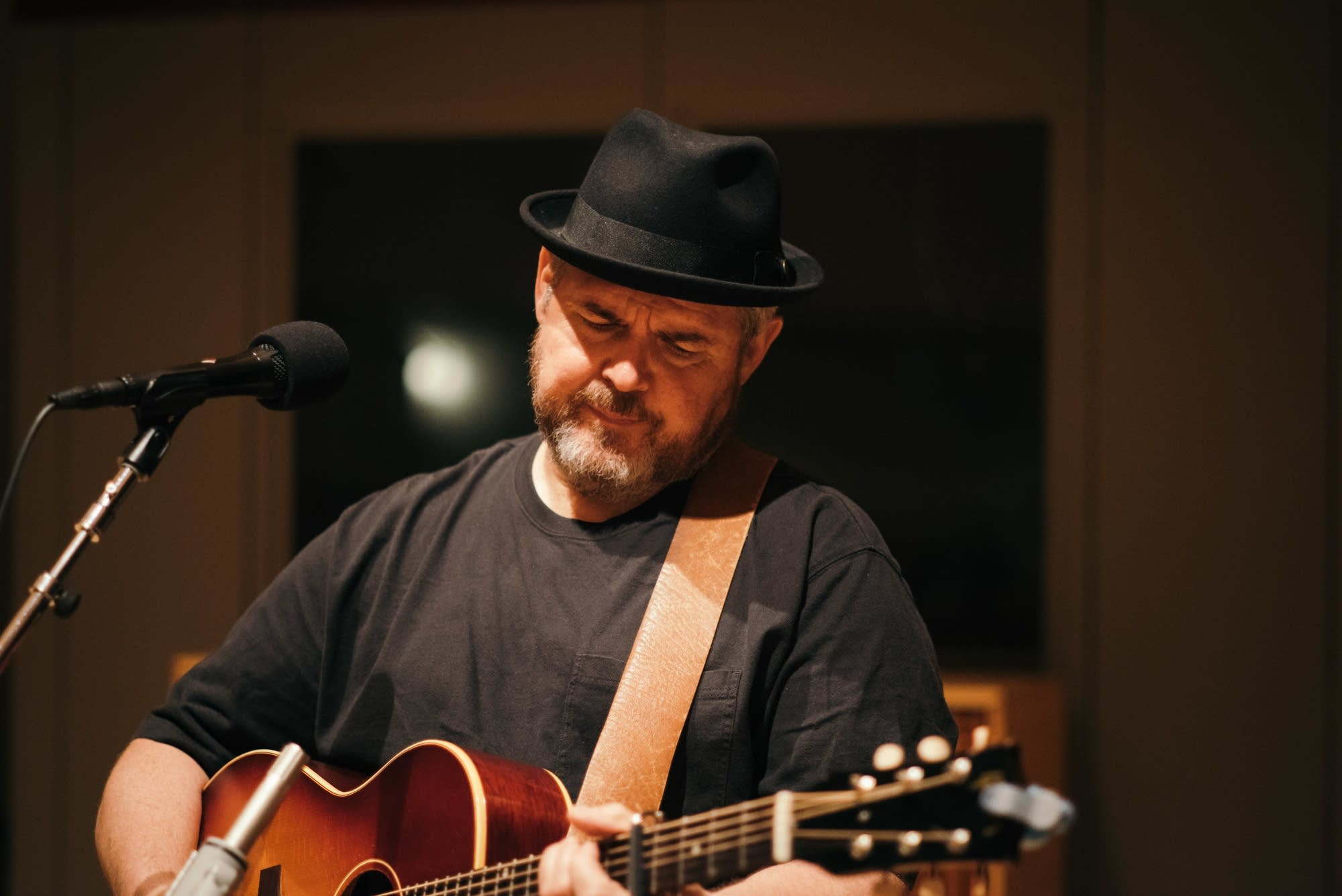 John Louis performs in the Radio Heartland studio