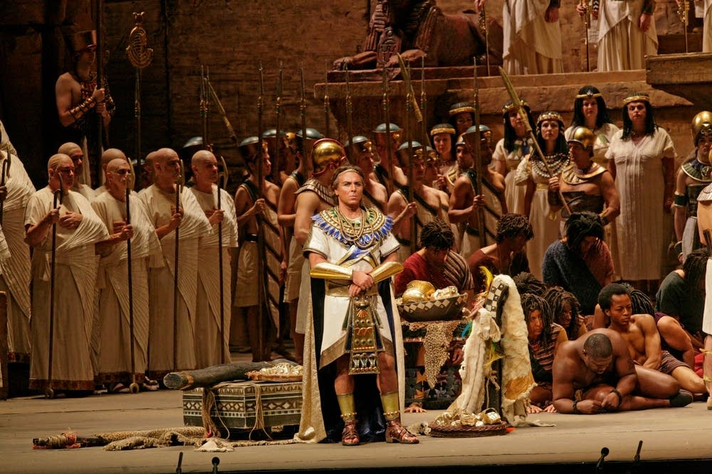 Roberto Alagna as Radames in Verdi's