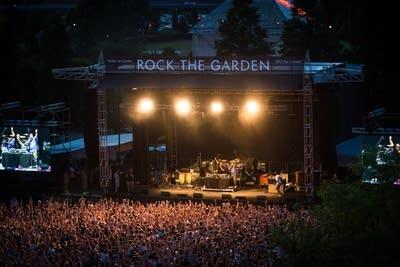 C6c96d 20140621 rock the garden2