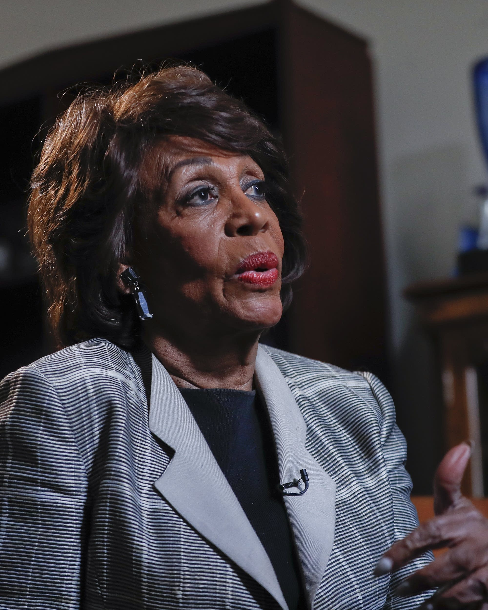 Rep Maxine Waters No Holds Barred Remarks Find Fans Mpr News