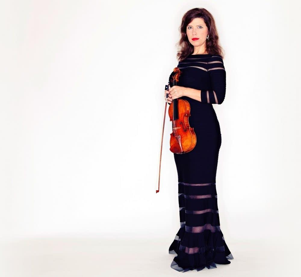 Violinist Sonja Harasim