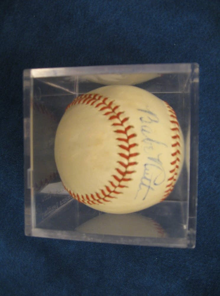 Baseball signed by Babe Ruth