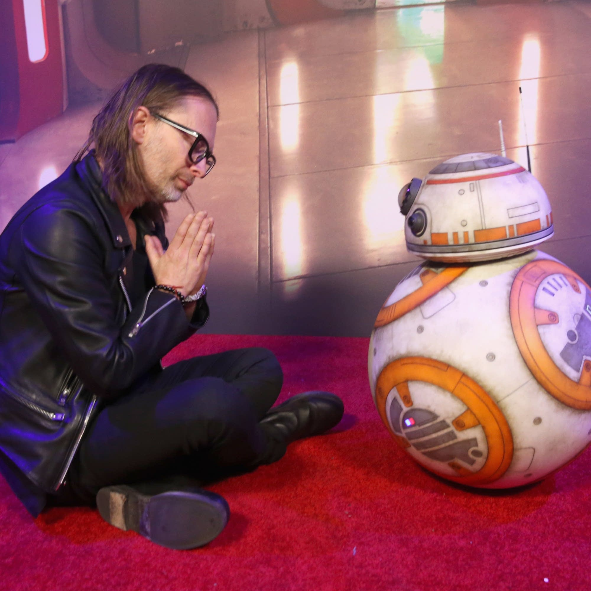 Thom Yorke shows his respect to BB-8.