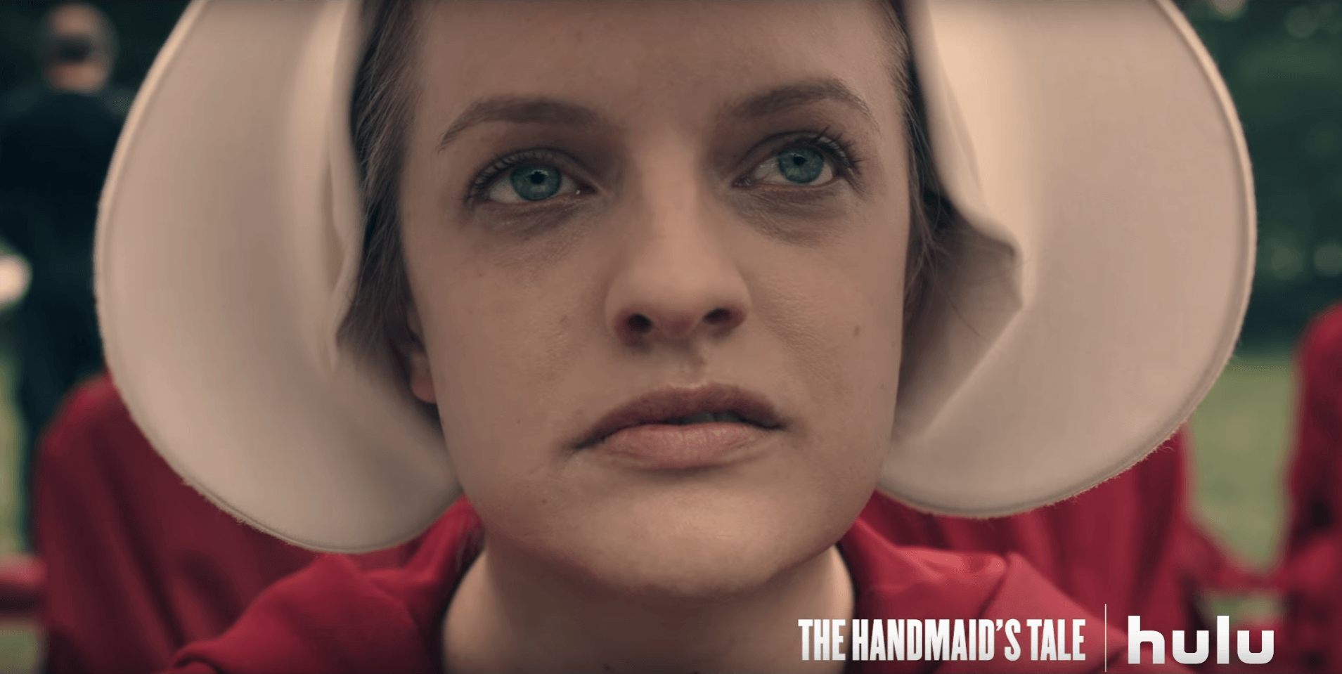 a first glimpse at the handmaid s tale adaptation minnesota elisabeth moss as offred in the handmaid s