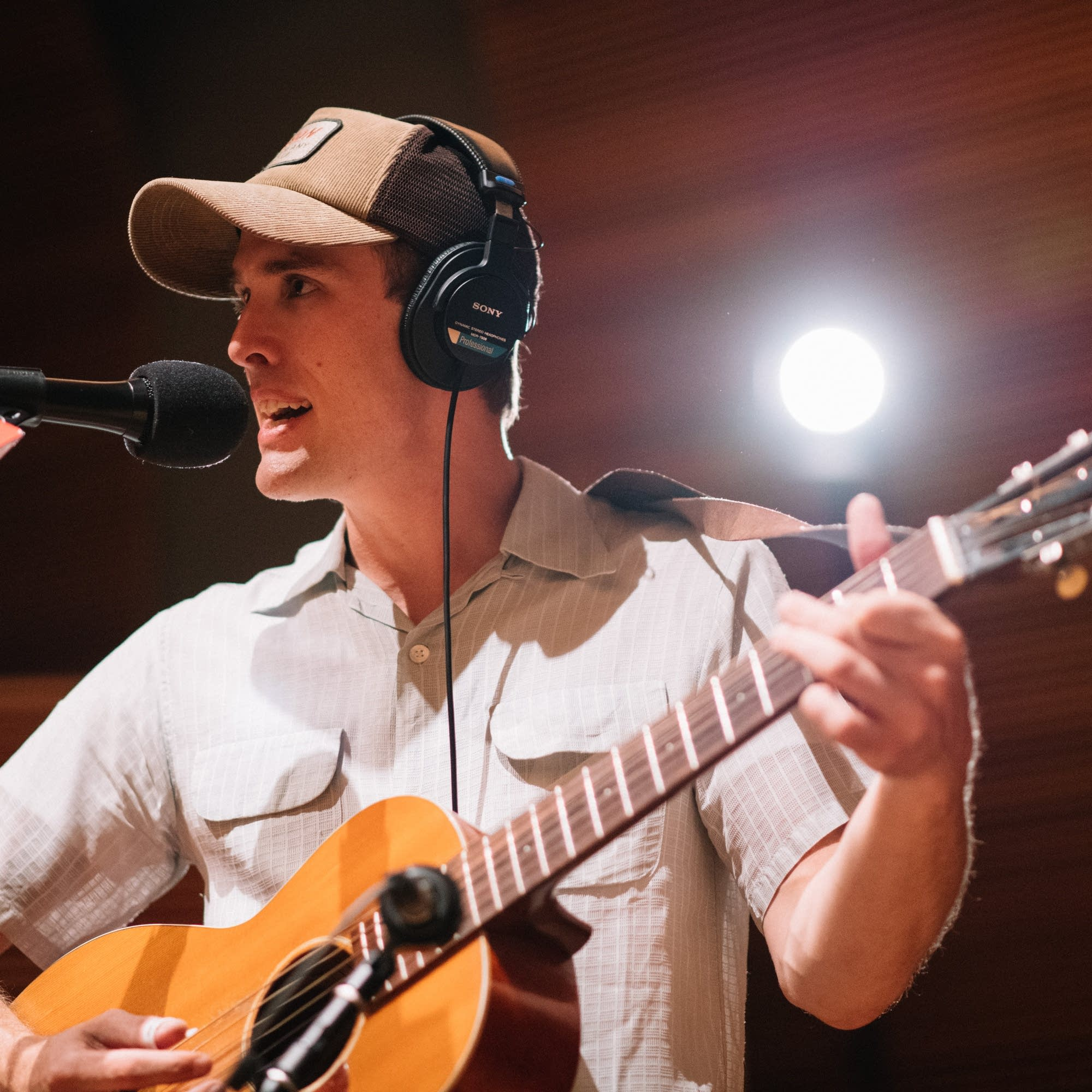 Jack Klatt performs at Radio Heartland
