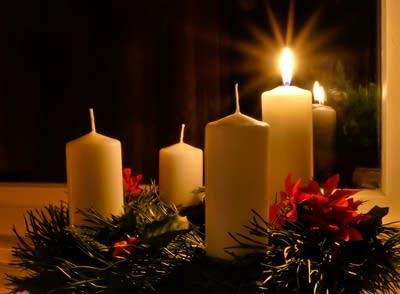 75b9f7 20111129 advent wreath