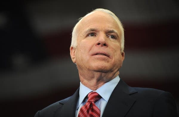 John McCain continues fight for Ohio