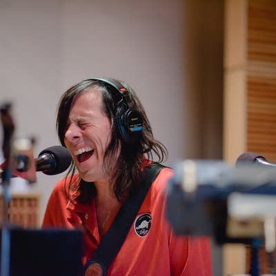 10695f 20160922 the posies perform in the current studio 09