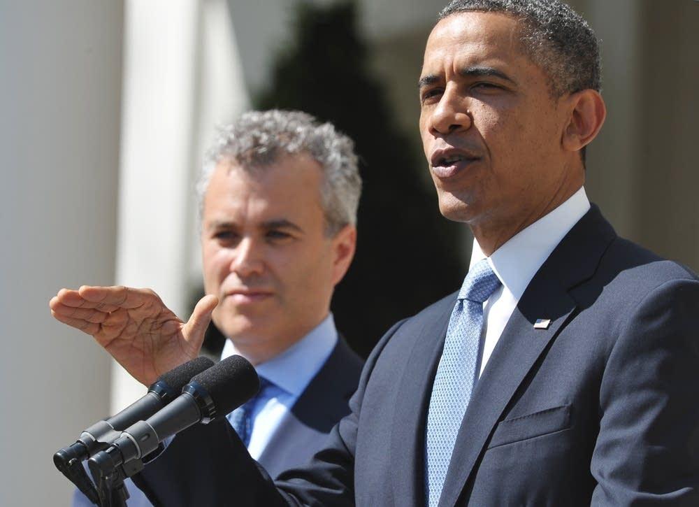 Obama discusses budget