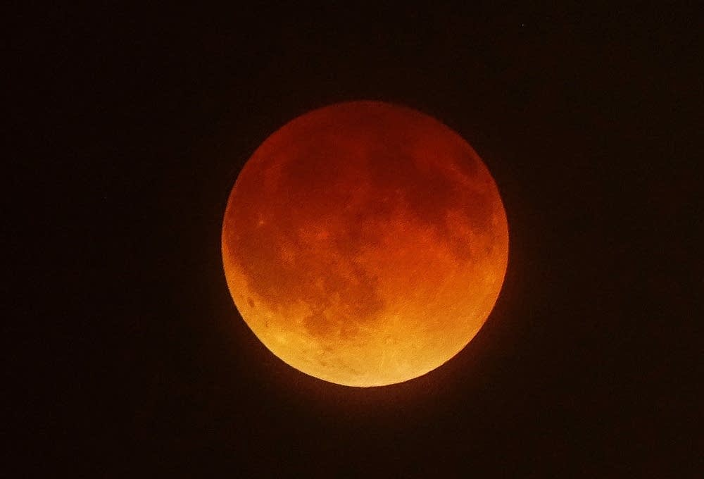 Historic Blood Moon Lunar Eclipse Visible Wednesday Morning Mpr News