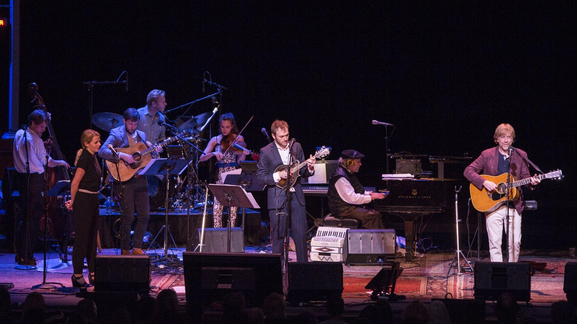 Trey Anastasio with Chris Thile, Aoife O'Donovan, and the band