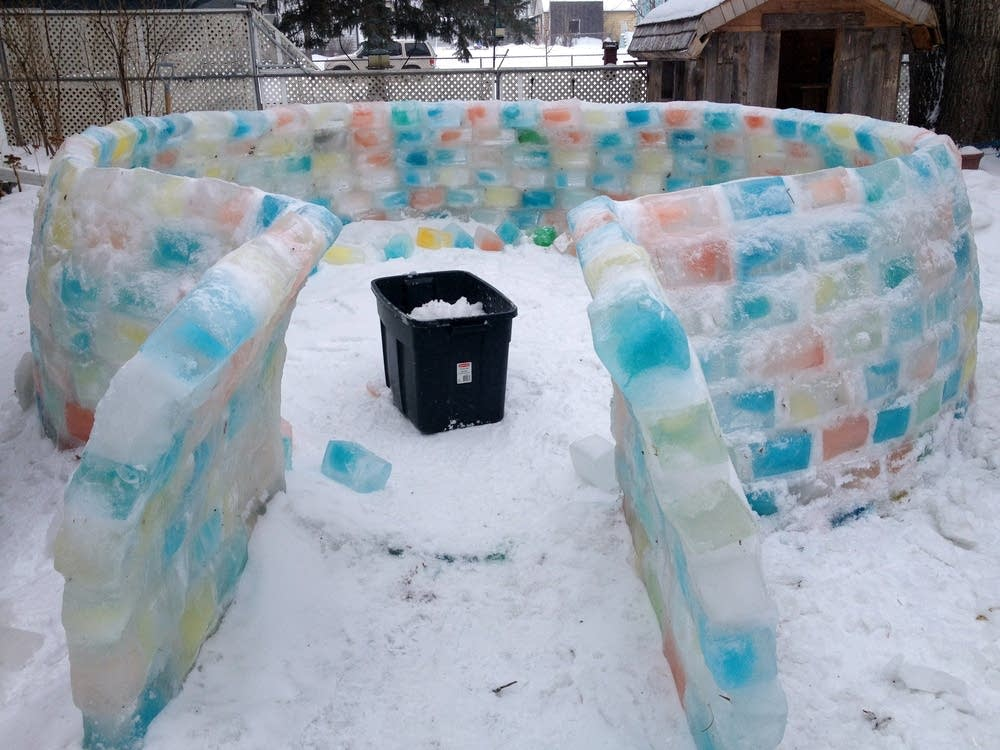 Building an igloo