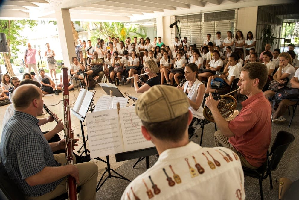 An ensemble played for the students.
