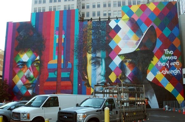 The finished mural of Bob Dylan