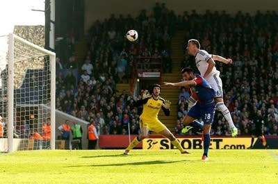 4f3283 20140401 john terry chelsea own goal crystal palace