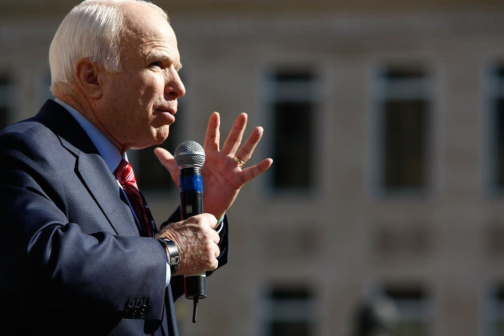 McCain campaigns in Ohio for a second day