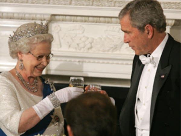 A toast between leaders