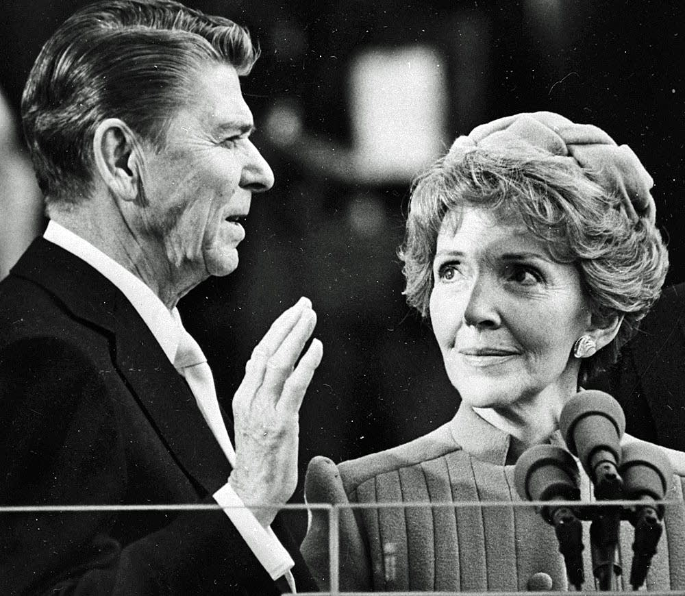 Reagan takes the oath of office