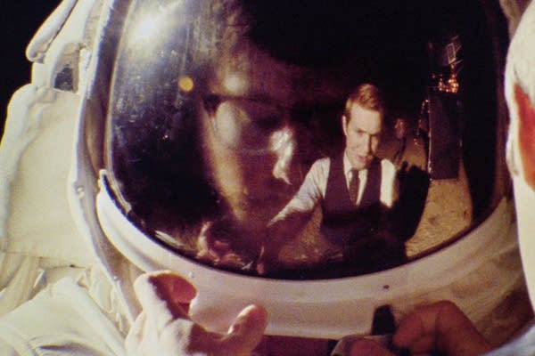 """Faking the moon landing in """"Operation Avalanche"""""""