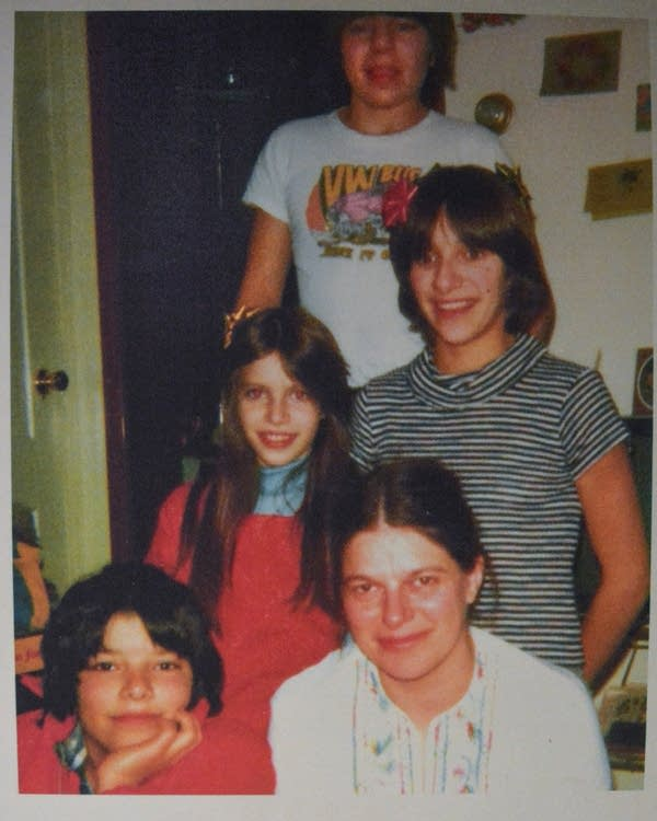 Alice Huling and family