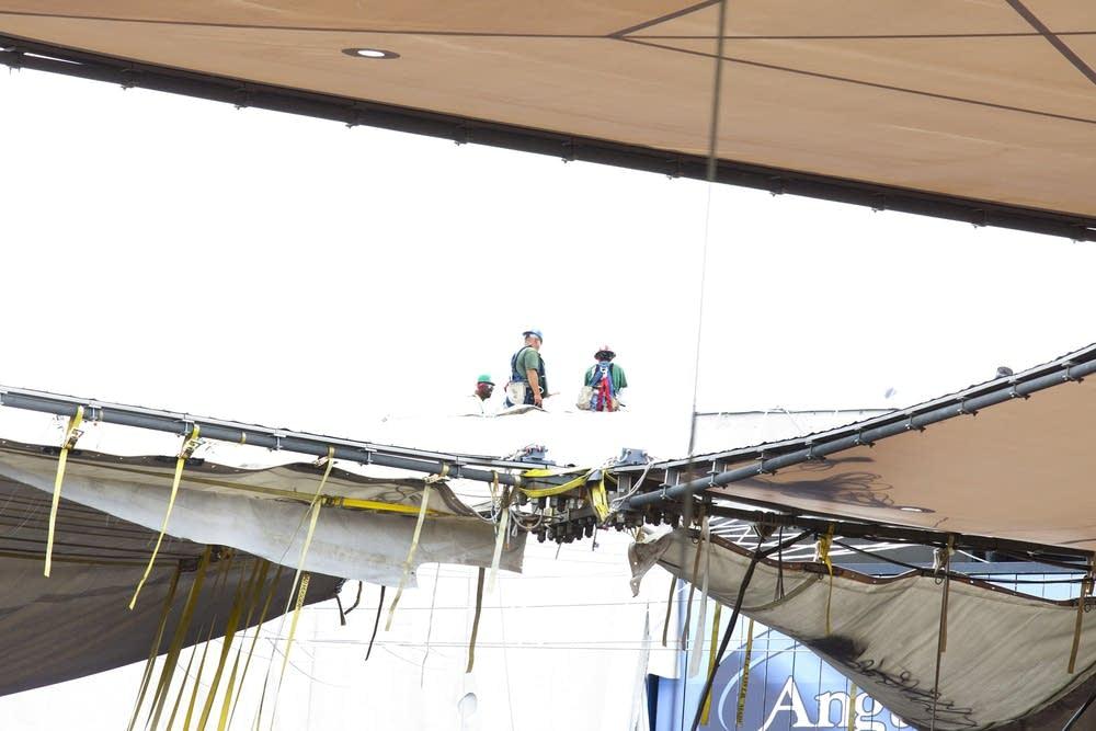 Metrodome roof installation