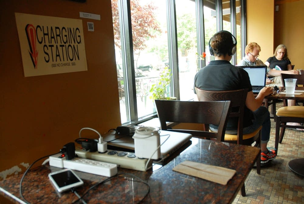 Coffee shop offers power to neighbors
