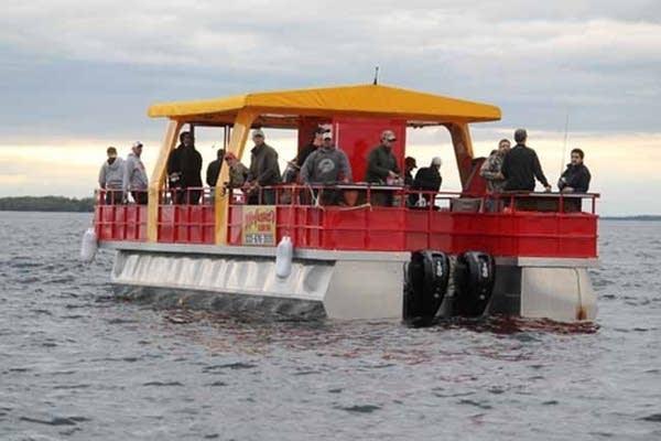 Pontoon launch boat