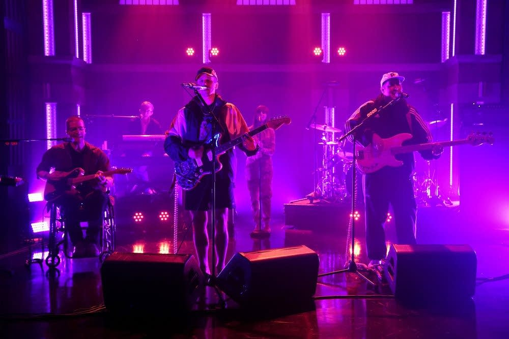 Portugal. The Man perform on 'Late Night with Seth Meyers'