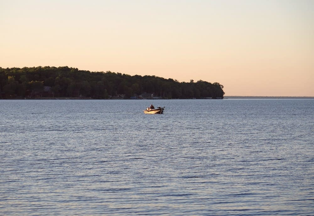 After halting walleye season dnr loosens rules on mille for Mille lacs lake fishing