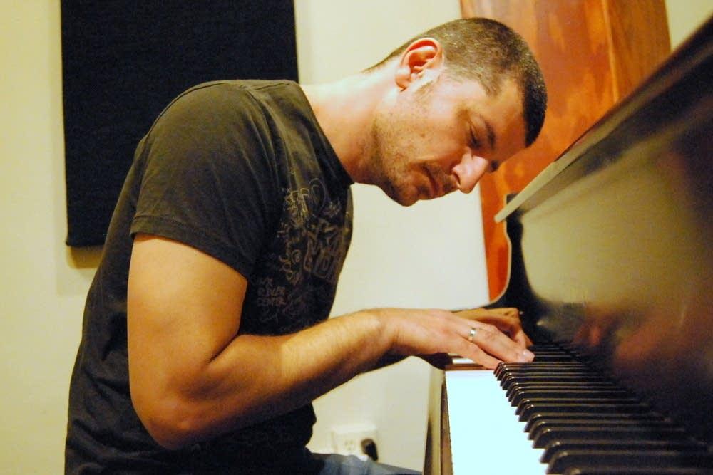 Composer Roy Zu-Arets