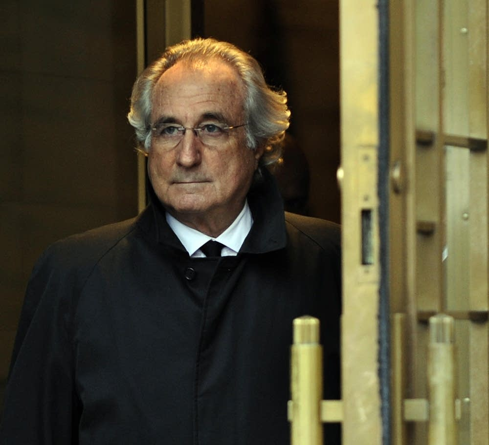 Bernard Madoff leaves U.S. Federal Court