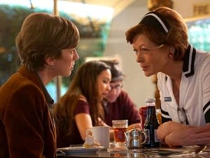 Gloria Burgle (Carrie Coon) tracks down Vivian Lord (Frances Fisher).