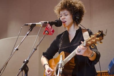 2037b8 20120314 chastity brown 2