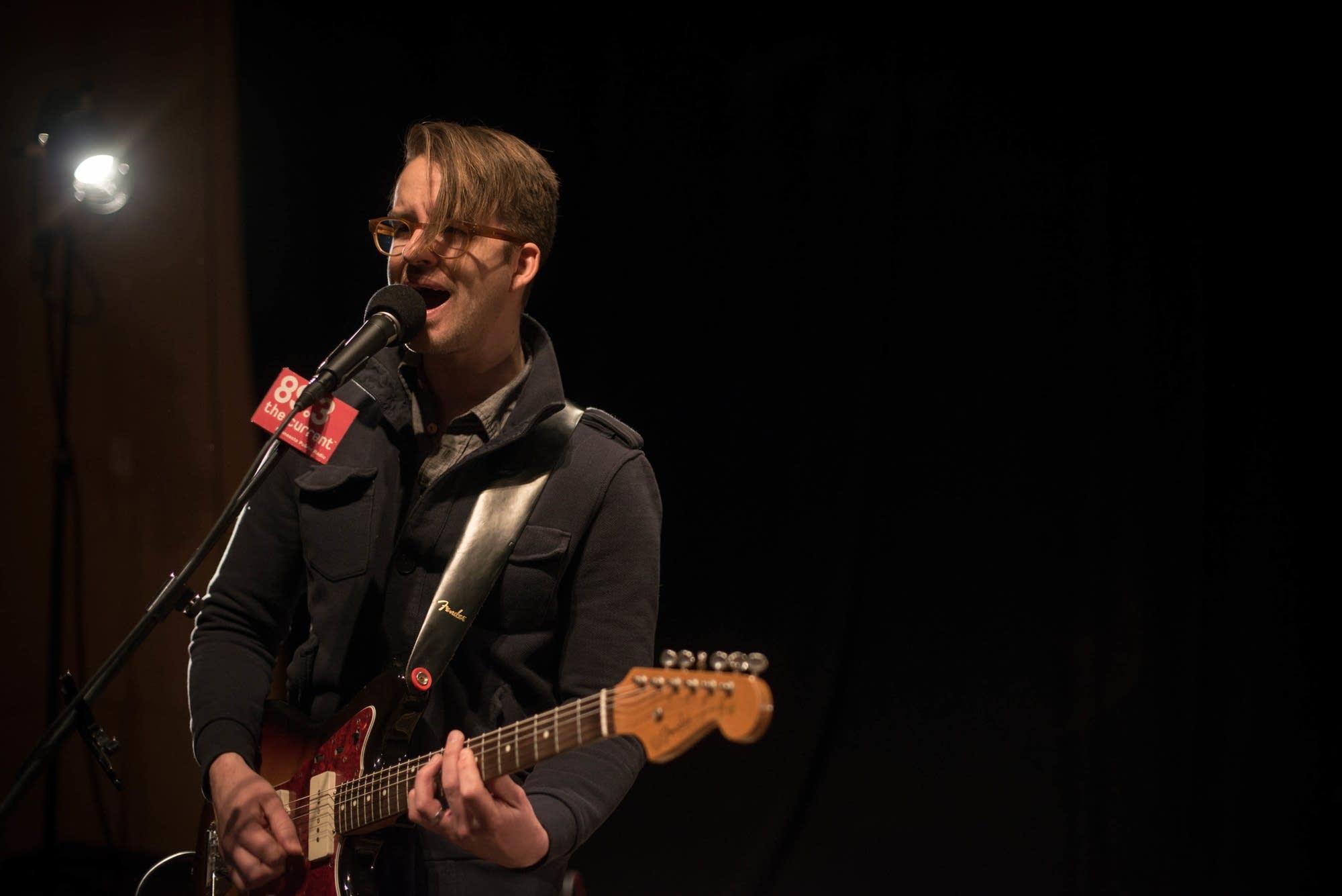 guitarist peter sieve 2