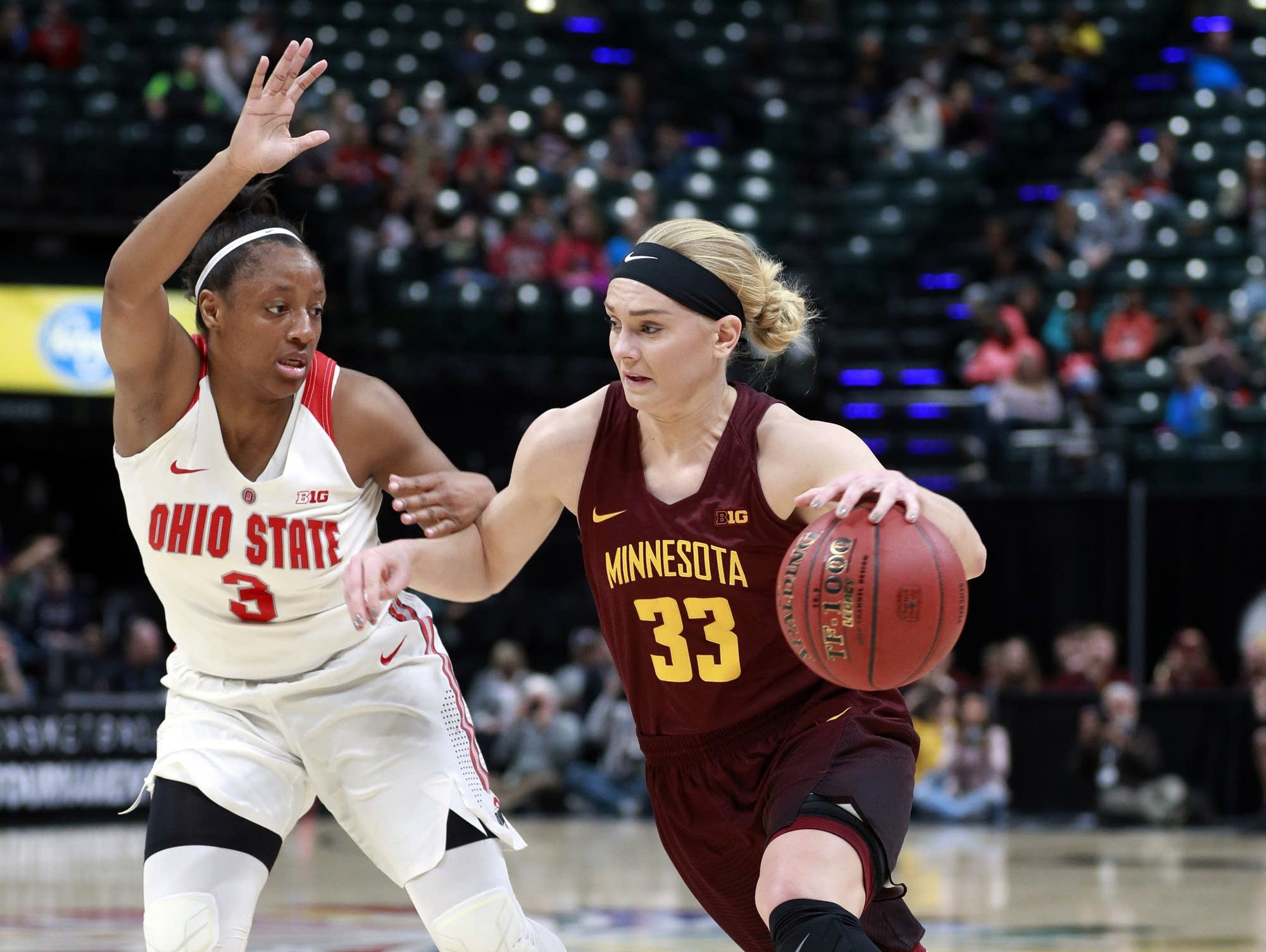 Bell, Pitts lead Minnesota past Green Bay in tourney opener