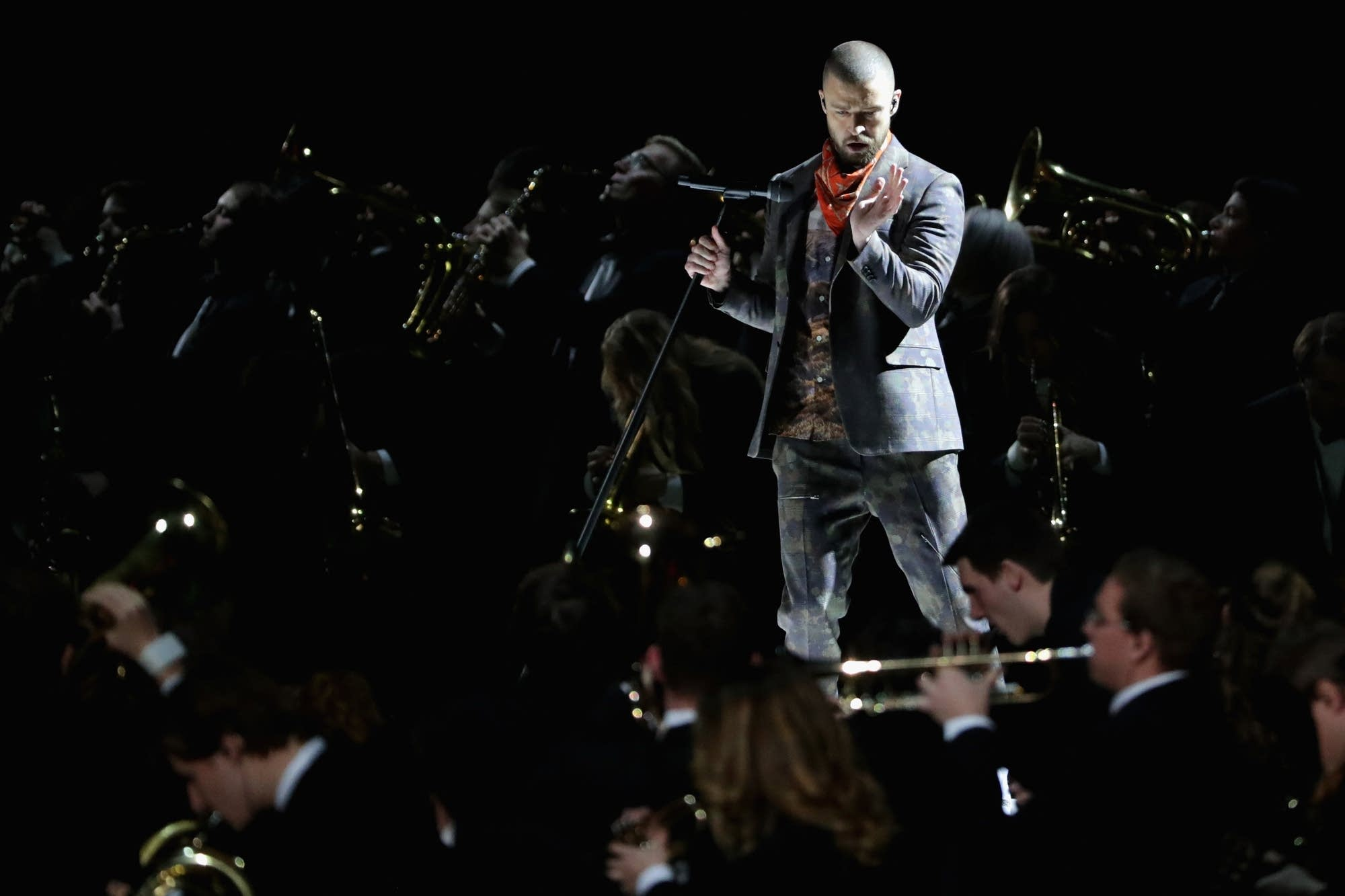 Justin Timberlake performs with the U band.