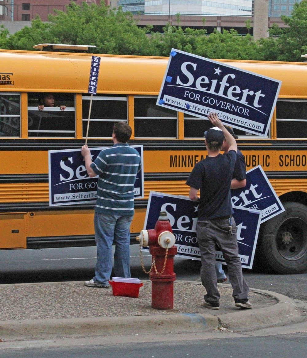 Seifert supporters