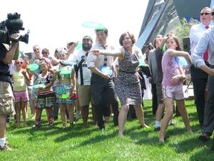 Mayor Hodges opens park