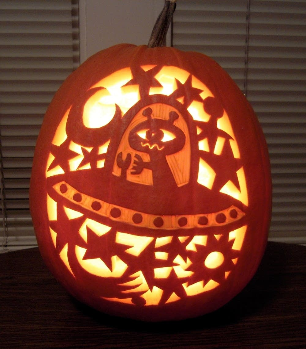 A UFO-inspired pumpkin design