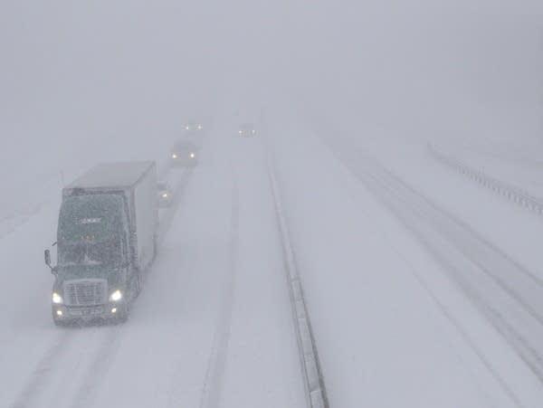 Winter storm hits central plains