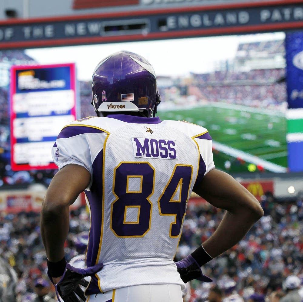 Agent  Randy Moss retiring from NFL  63df4f26f