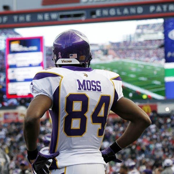 info for 92a38 57438 Agent: Randy Moss retiring from NFL | MPR News
